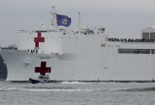 Photo of 近6萬人確診!7旬婦病逝救護車上 野戰醫院、醫療船增援紐約