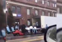 Photo of 人間煉獄!平均2.9分鐘死1人 醫院外沿街放大體景象嚇人