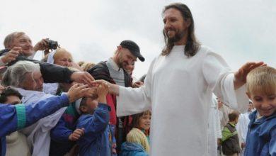 Photo of 自封「耶穌轉世」!西伯利亞彌賽亞擁上千信徒 虐信徒又狂吸金